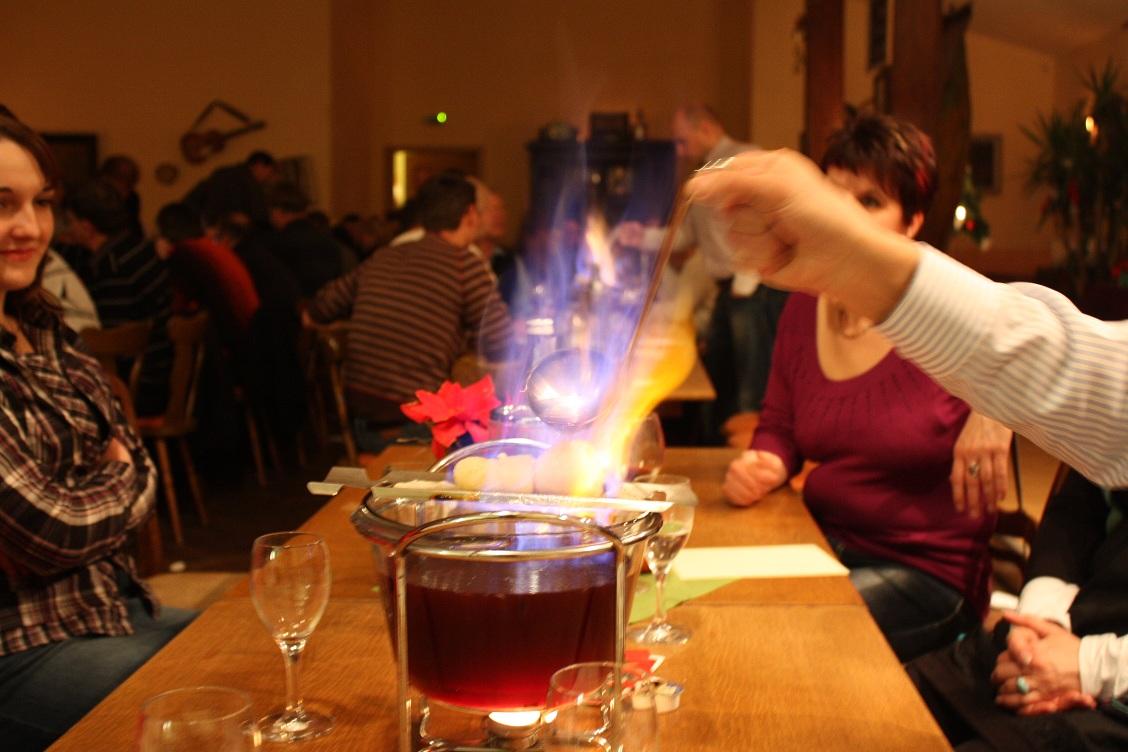 Feuerzangenbowle   Dinnershow-Leipzig-Halle.de